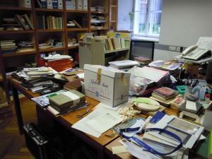 Neue Energie ist sicher notwendig, wenn sich im Büro im AES schon so manches angesammelt hat...